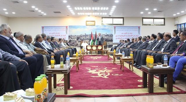 أمواج تكرم أبطال الموسم الرياضي في غزة (10)