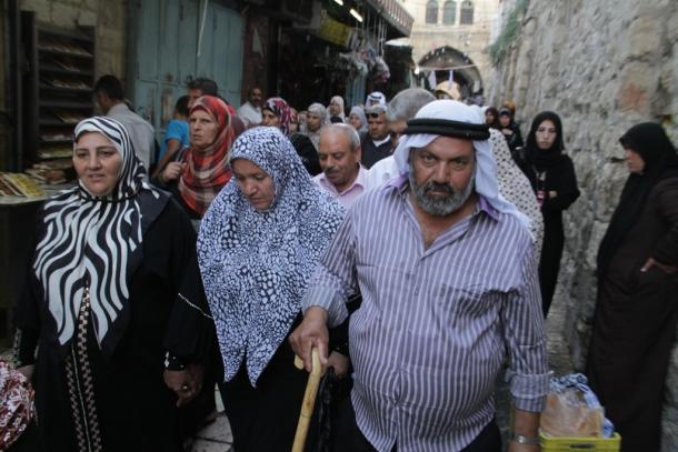 في الجمعة الثانية من رمضان.. آلاف المُصلين يتوافدون إلى الأقصى رغم قيود الاحتلال