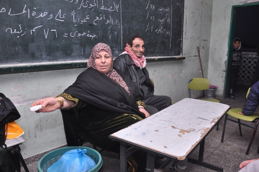 بالصور: تسونامي يضرب غزة ويشرد الآلاف في المدارس بسب السيول