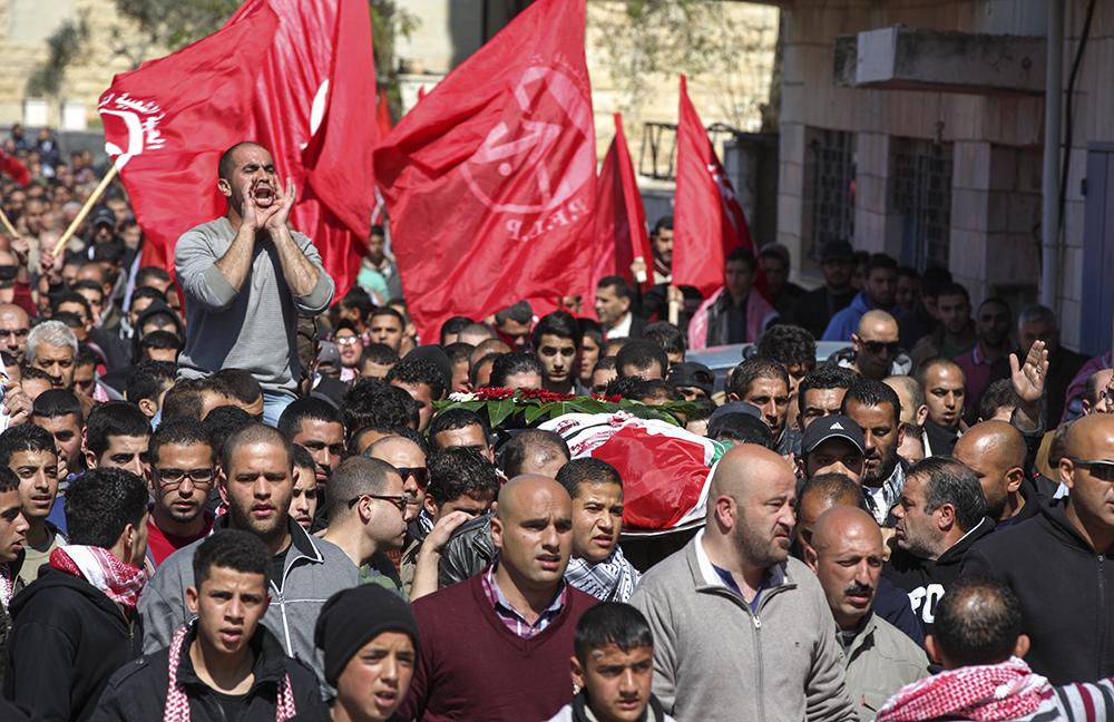 جماهير بيرزيت تشيع جثمان الشهيد معتز وشحة الذي اغتالته قوات الاحتلال