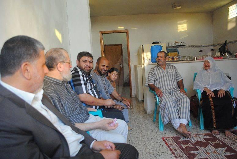 عائلة صلاح ابو حسين ودنيال منصور