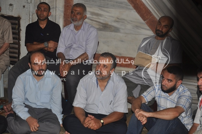 جماهير غفيرة تشييع جثمان الشهيد رائد جندية وتطالب القصاص من القتلة