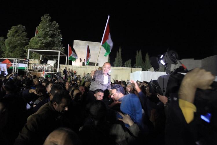 صور من استقبال الاسرى المحررين في مقر المقاطعة برام الله