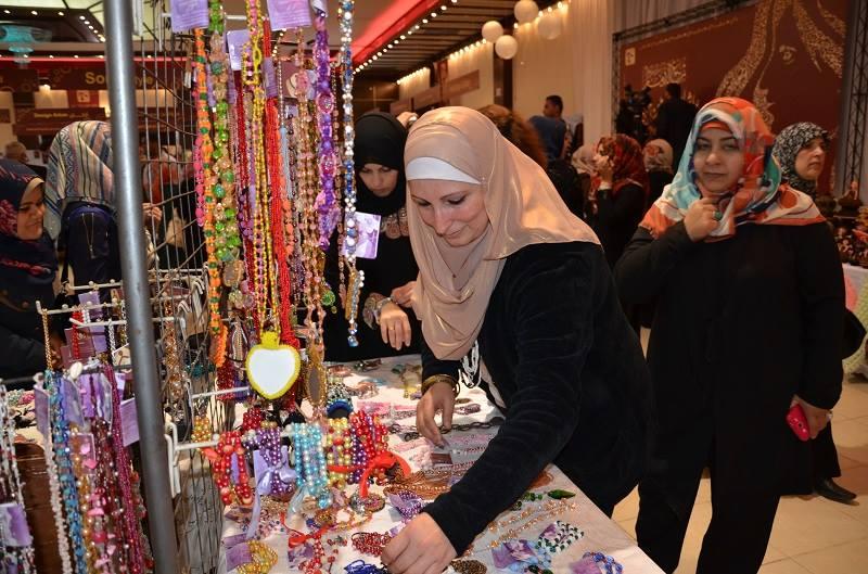 افتتاح معرض نساؤنا غزة