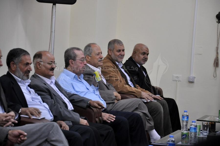 اجتماع رئيس وزراء غزة بعدد من الفصائل بغزة