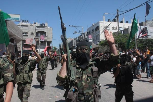 العرض العسكري لكتائب القسام المقاومة 96f19663770fb05f3f1a