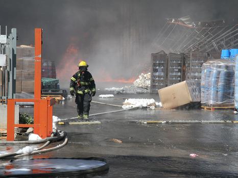 حريق بمصنع اسرائيلي