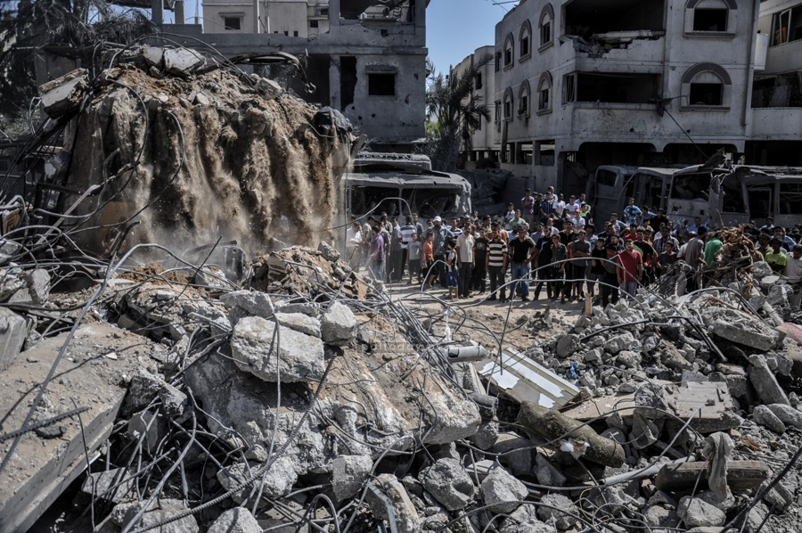 قصف منزل عائلة الدلو 2014