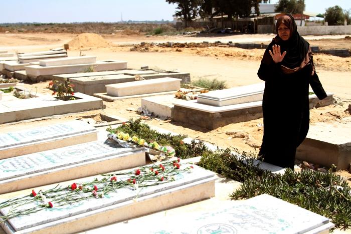 زيارة للمقبرة