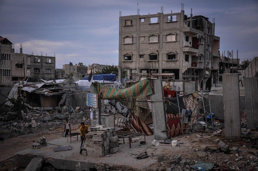 منازل آيلة للسقوط بغزة