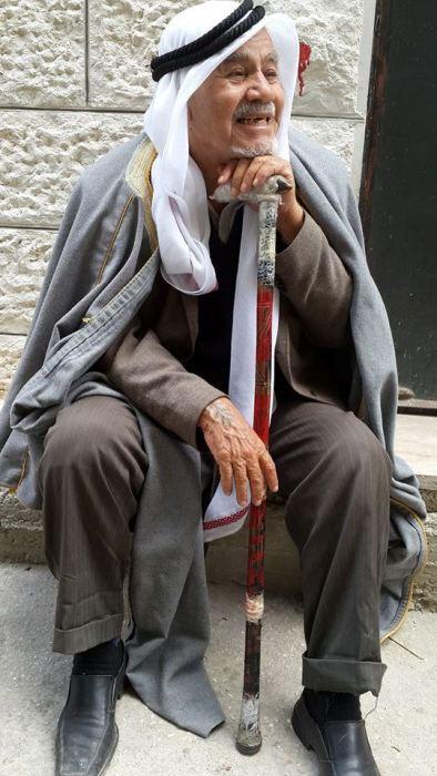 مسن للنكبة