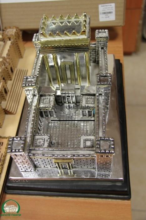 """""""معبد الهيكل"""" المزعوم قبالة المسجد الأقصى"""
