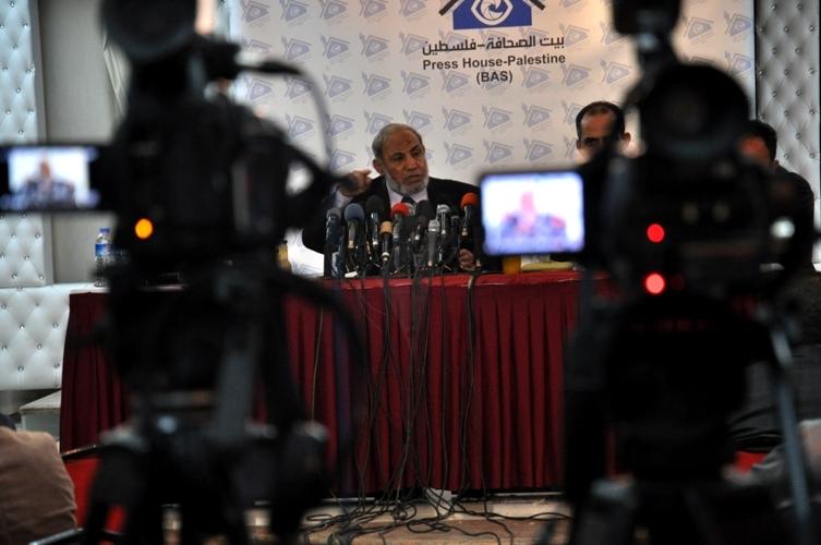 بيت الصحافة ينظم لقاء مع الدكتور محمود الزهار و الاعلامين بالقطاع