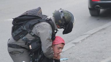 عالمي مركز: الاحتلال يستخدم وسائل تعذيب محرمة دولياً bc6019c0eef679c76aa3