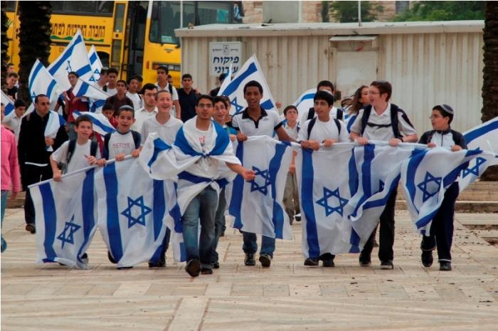 الاحتلال يحتفل
