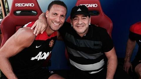 مارادونا ونجوم مانشستر يونايتد
