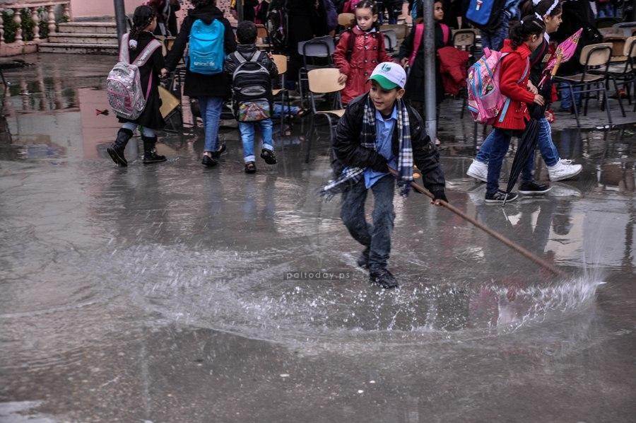 أجواء الشتاء طلاب مدارس