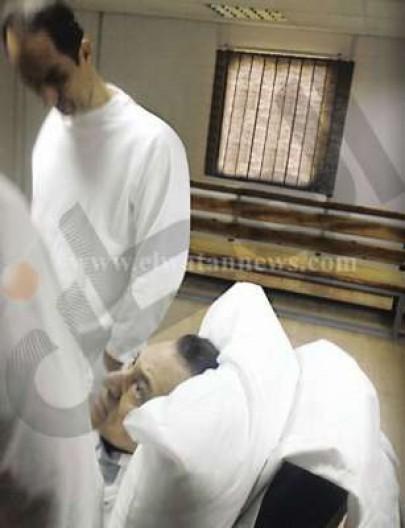 صور سرية لمبارك